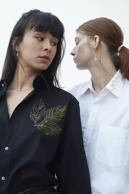 Chemise revalorisée brodée à la main au fil d'or 24 carats